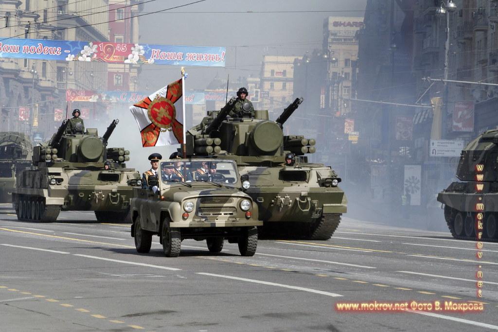 Военный парад 9 мая 2008 г. в Москве живописные жанровые фотографии