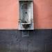 Brunnen in einer Kölner Gasse