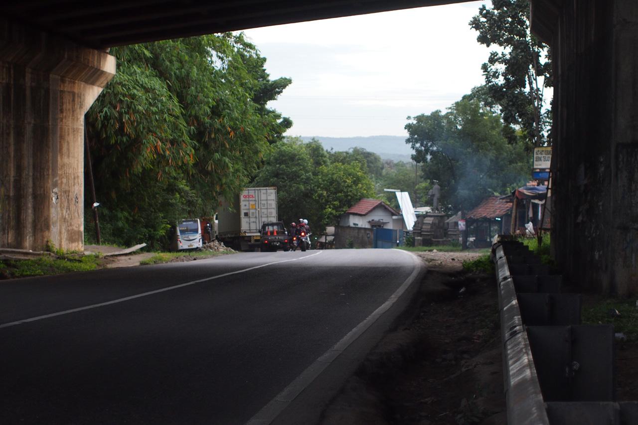 bawah jembatan