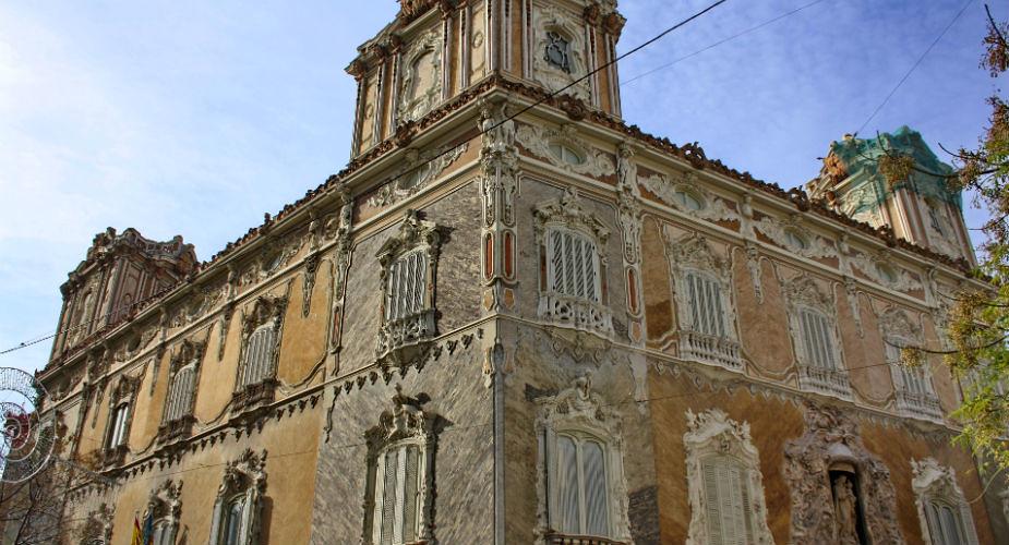 Fiets huren in Valencia, bekijk het Keramiekmuseum | Mooistestedentrips.nl