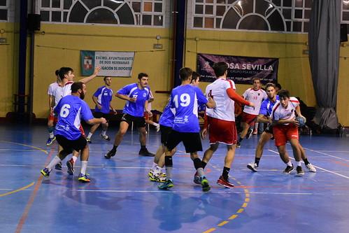 Balonmano Montequinto y Nazareno derbi local en 2º Nacional