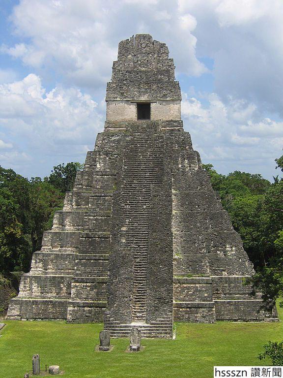 576px-Tikal_Temple1_2006_08_11_576_768