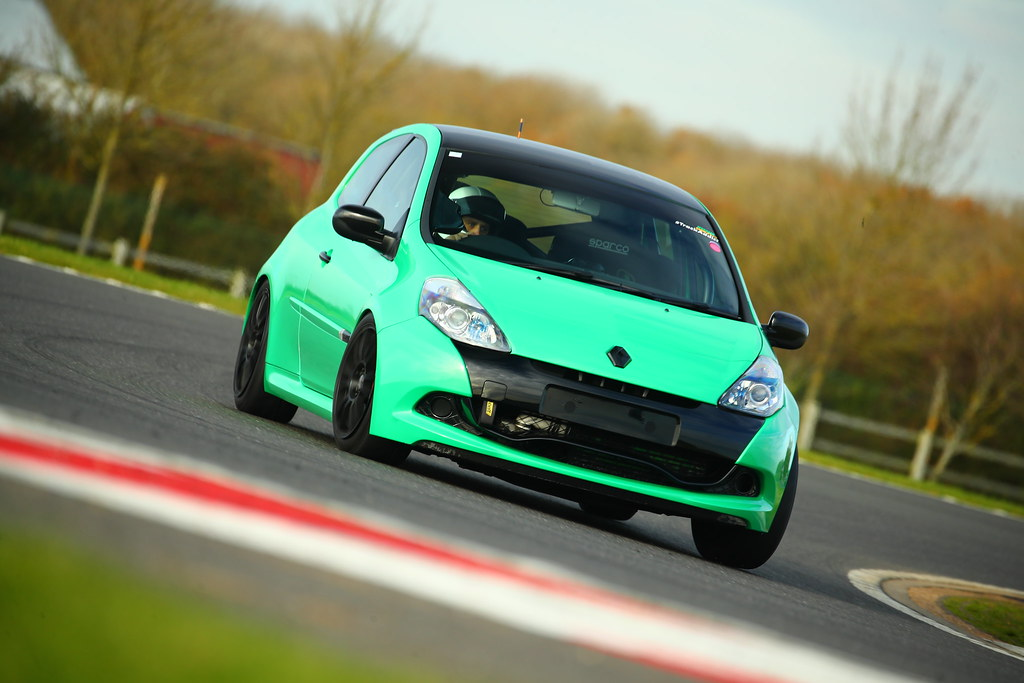 Regy53's Track supercharged Clio | Overclockers UK Forums