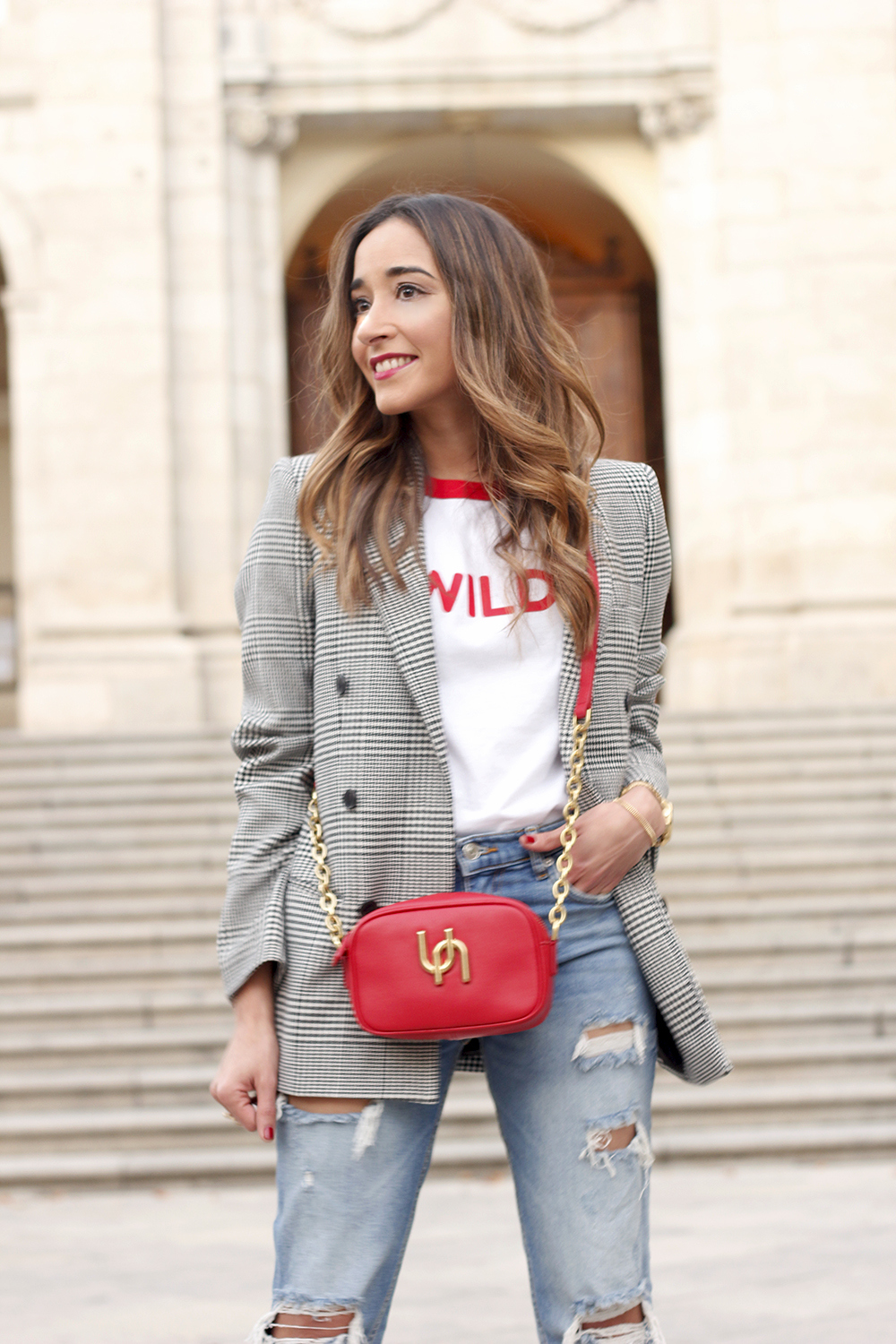 Prince of wales print blazer ripped jeans red heels uterqüe style trend fall outfit05