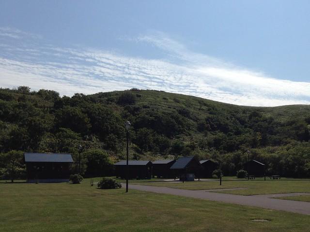 rebun-island-kusyu-lakeside-camp-site-bungalow-01