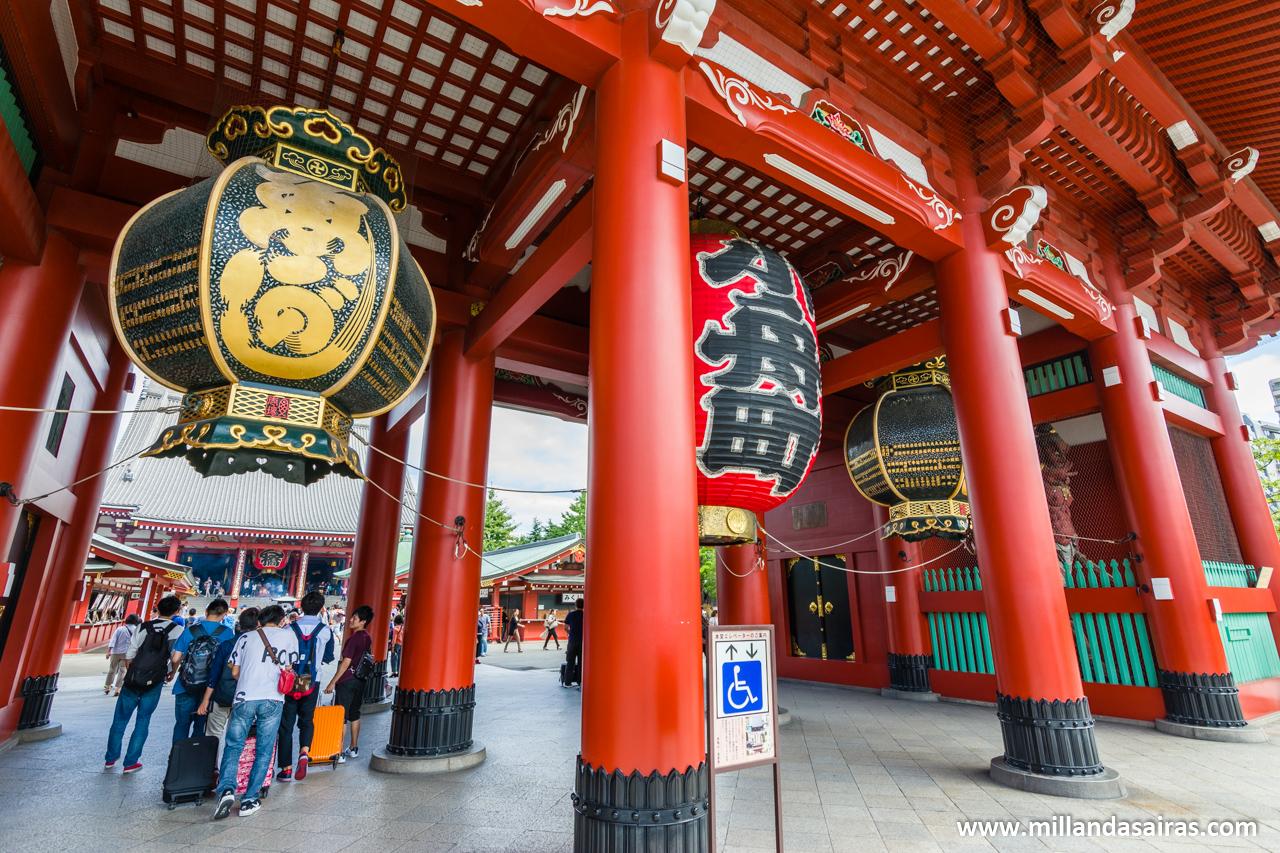 Puerta de Kaminarimon en Asakusa, Tokyo