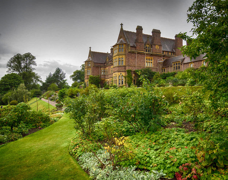 Knightshayes Court, Tiverton, Devon. Credit Bob Radlinski, flickr