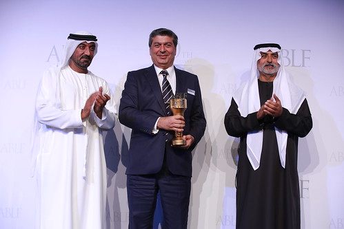 Raza Jafar, Founder, Global Sustainability Network, receiving the ABLF Humanitarian Award from H.H. Sheikh Nahayan Mabarak Al Nahayan, Cabinet Member and Minister of Tolerance, UAE