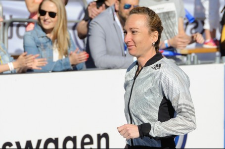 Sledujte nedělní maraton v New Yorku s Evou Vrabcovou v poli běžkyň