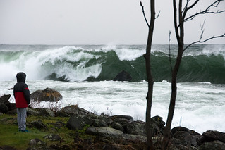 North Shore Trip - Oct 2017 - Waves Crashing at Cove Point