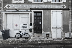 Vins et spiritueux rue de la République - Désertification - Photo of Navilly