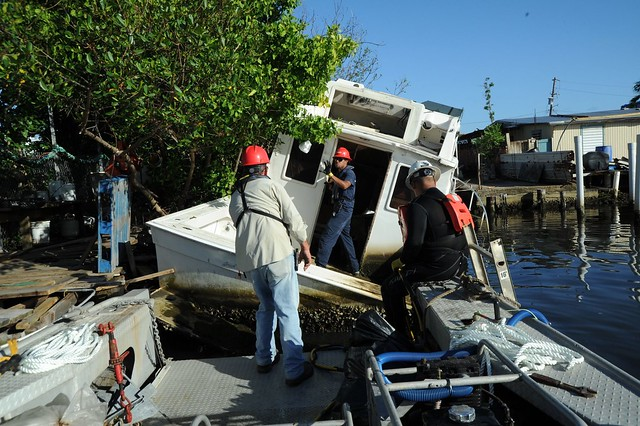 Hurricane Maria Response Crews Assess Damaged Vessel in Cataño, Puerto Rico