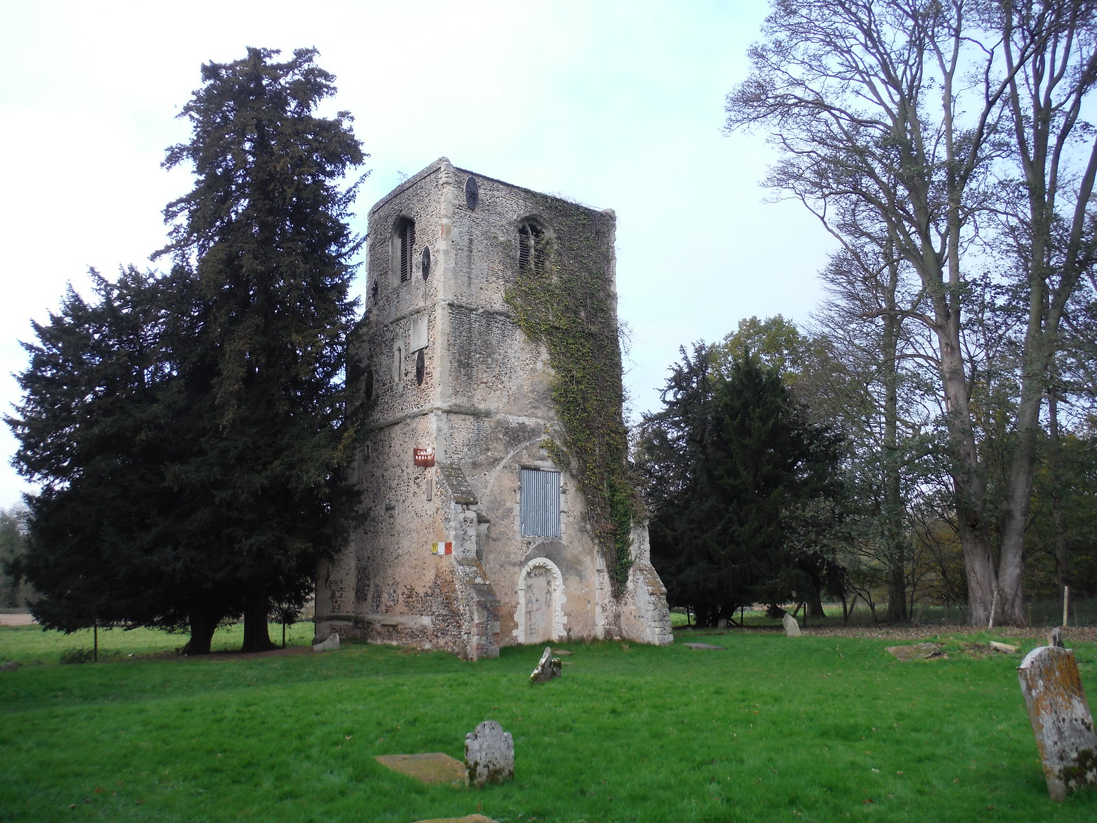 Thundridge Old Church SWC Walk 165 - St. Margarets Circular