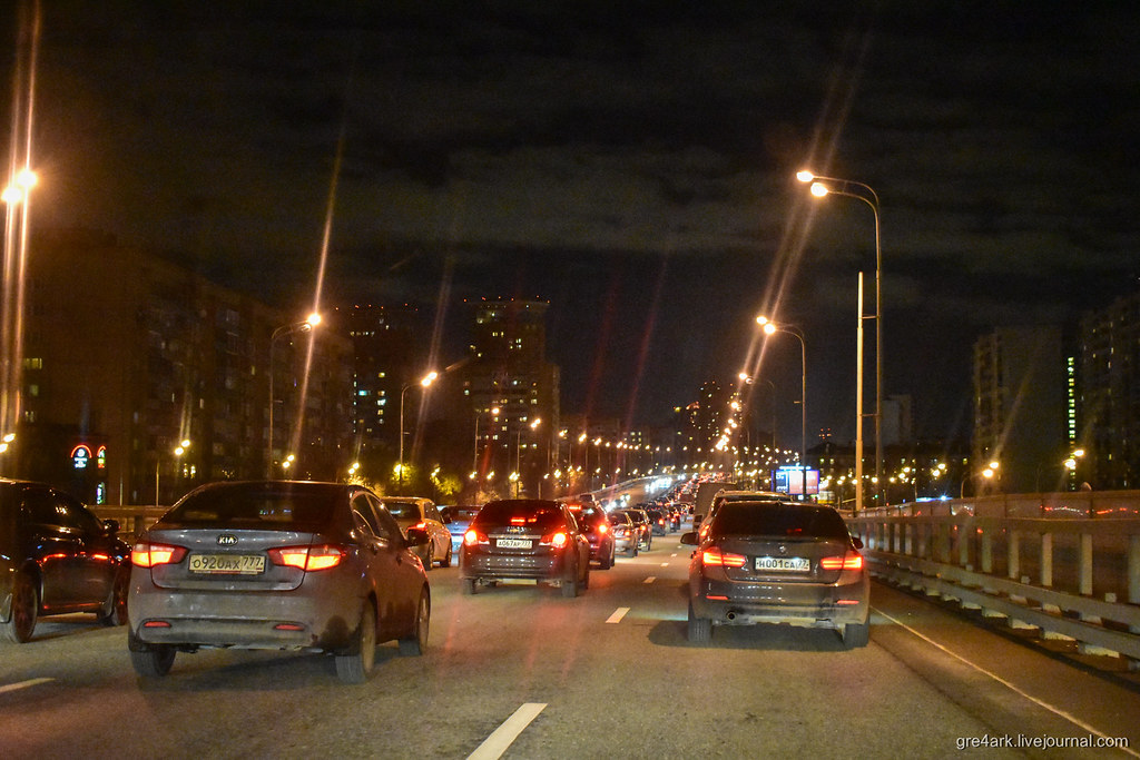 Как эстакады помогают в борьбе с пробками в городе? Никак