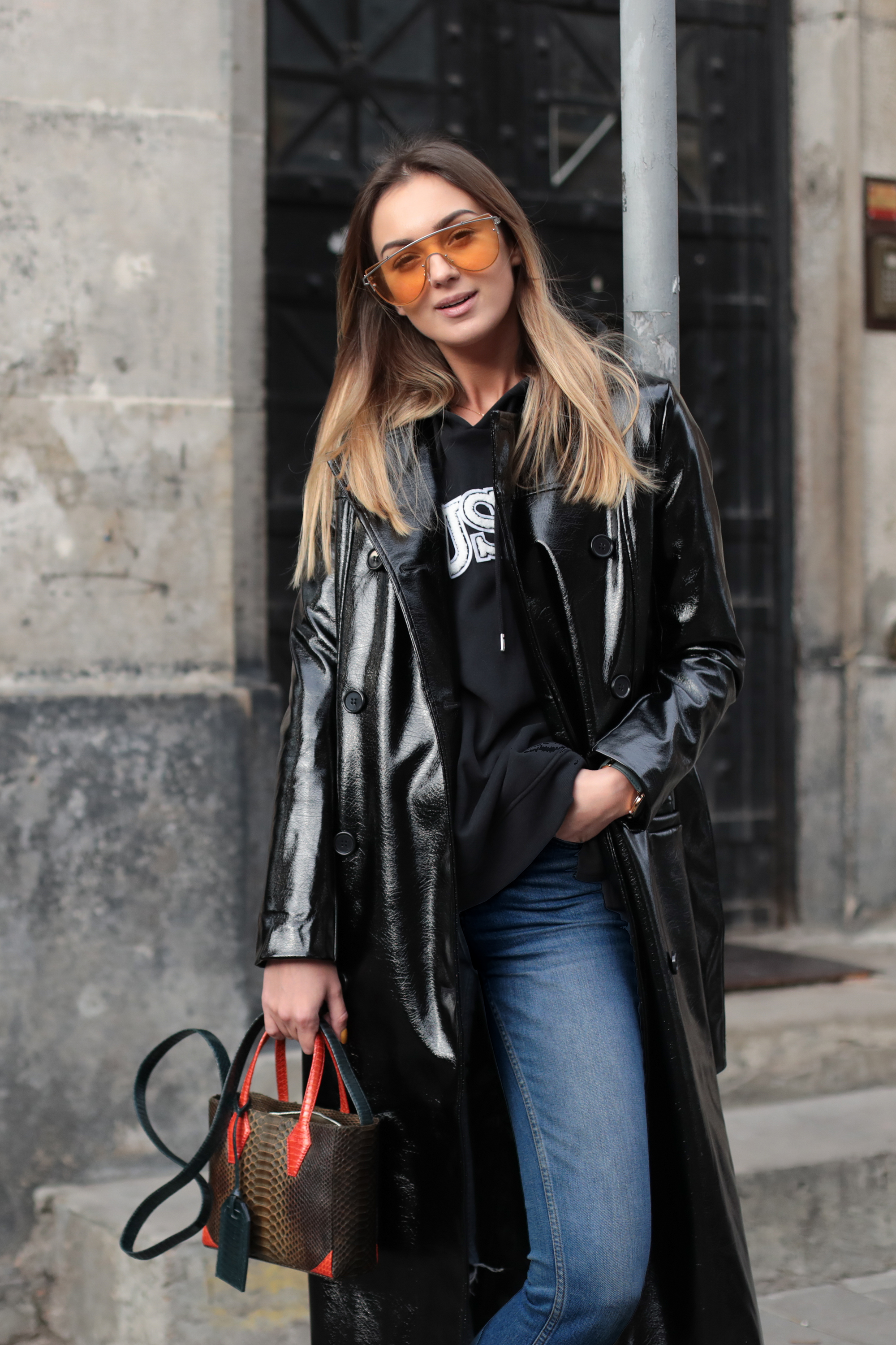 fashion-blogger-orange-sunglaasses-street-style