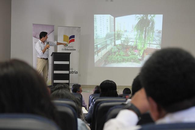 Jornada de Capacitación a docentes en la metodología TINI Galápagos