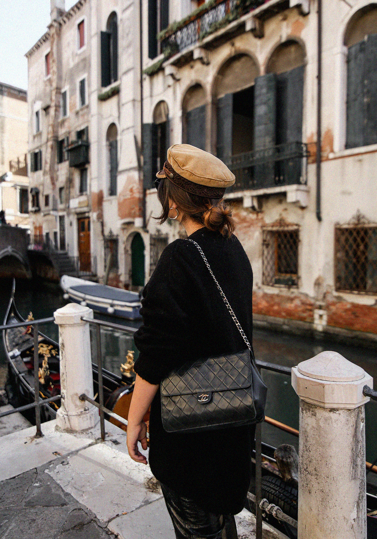 pantalon-charol-tendencia-look-en-venecia-myblueberrynightsblog12