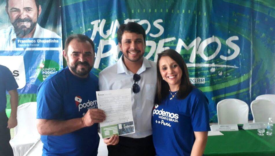 Delegado Jaime Paixão assina ficha de filiação ao Podemos, em Belém, Jaime Paixão