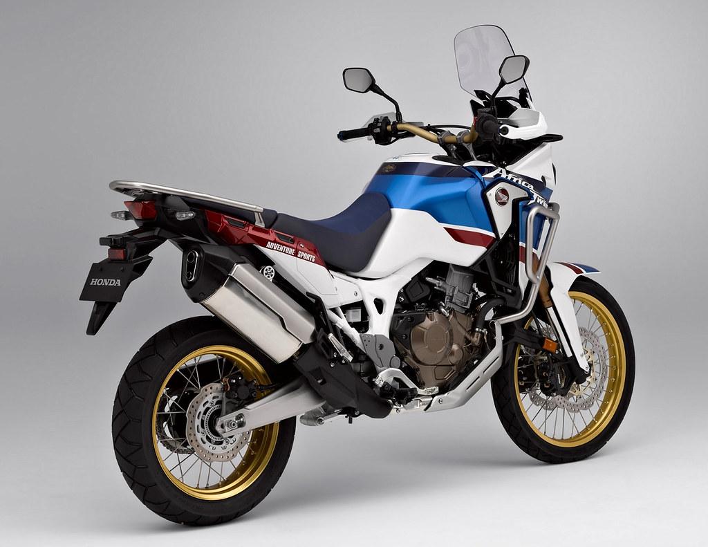 honda crf 1000 l africa twin sports adventure 2018 galerie moto motoplanete. Black Bedroom Furniture Sets. Home Design Ideas