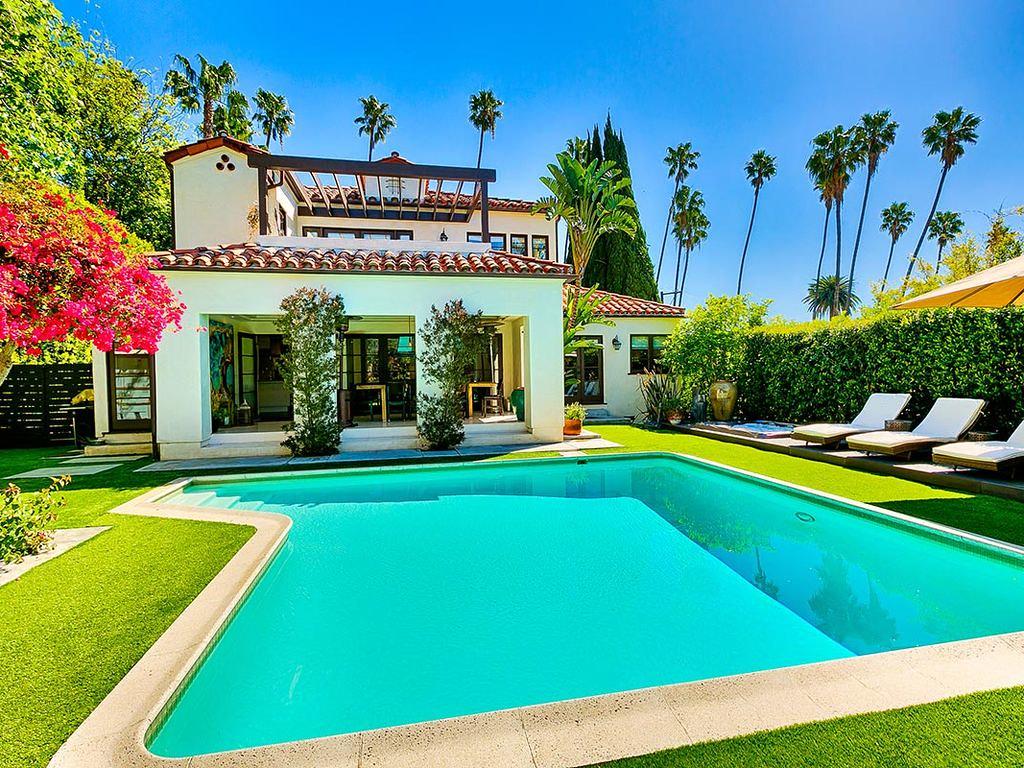 1745 N Vista St,Los Angeles,California 90046,3 Bedrooms Bedrooms,3 BathroomsBathrooms,Apartment,N Vista St,6438