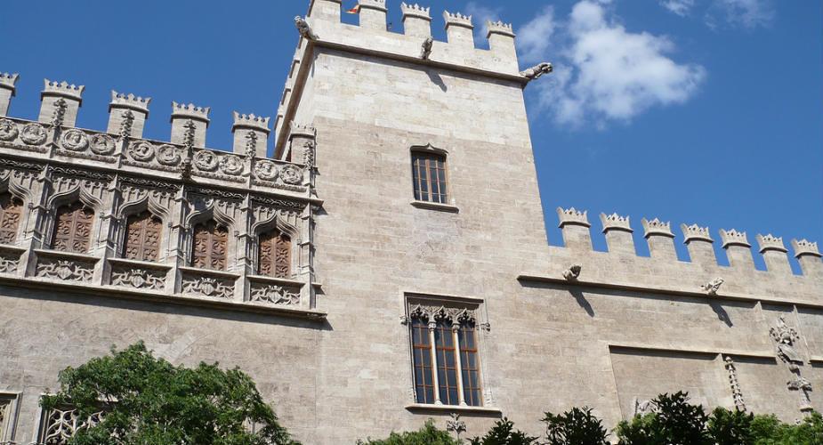 Werelderfgoed in Valencia: La Lonja de la Seda | Mooistestedentrips.nl