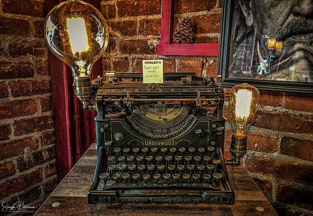 1900's Vintage Underwood Typewriter No. 5