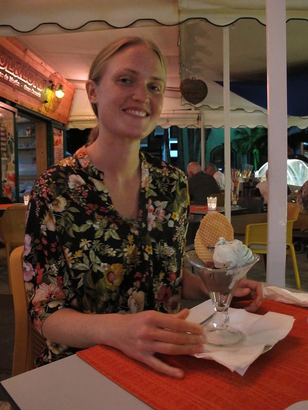 monday, ice cream for dessert, puerto de mogán, gran canaria