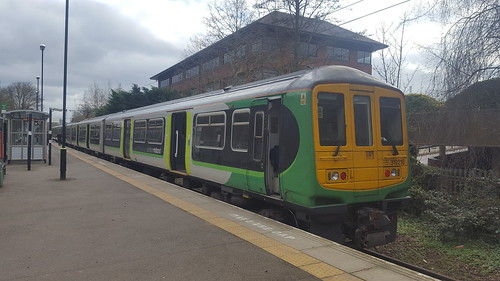 319216 2F14 1428 St Albans Abbey to Watford Junction