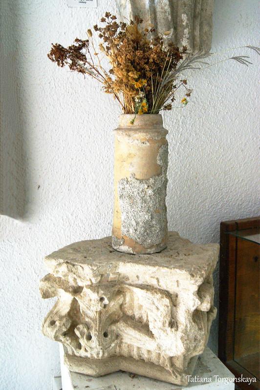 Полукапитель из дома №177 в Старом Баре