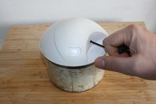 27 - Zwiebel würfeln / Dice onion