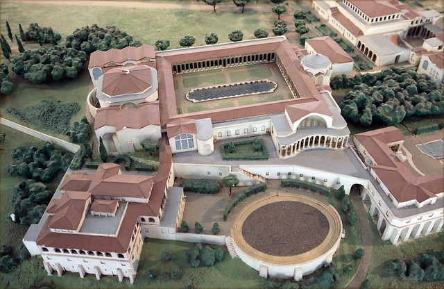 Tivoli: Hadrian's Villa (Piazza d'Oro)