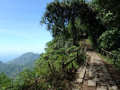 lempuyang-trail-1