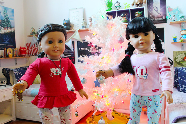 Inky and Brooke trim the New Year tree