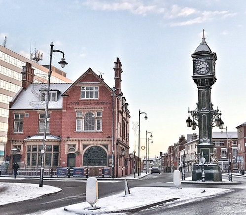 Jewellery Quarter Clock & Rose Villa Tavern Birmingham UK