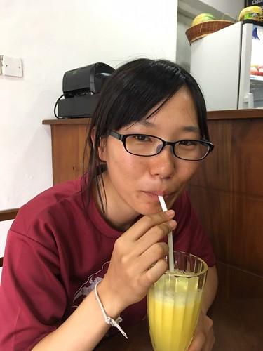 おまけ やけにフルーツジュースを飲む後藤の写真がいっぱいあった
