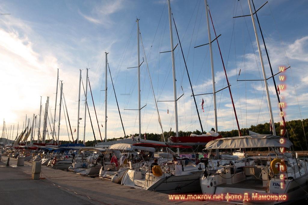 Исторический центр Хвар — остров в Адриатическом море, в южной части Хорватии фотозарисовки