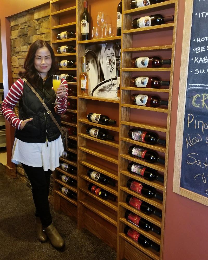the-lakehouse-inn-winery-toast-wine-cellar-cheers-2
