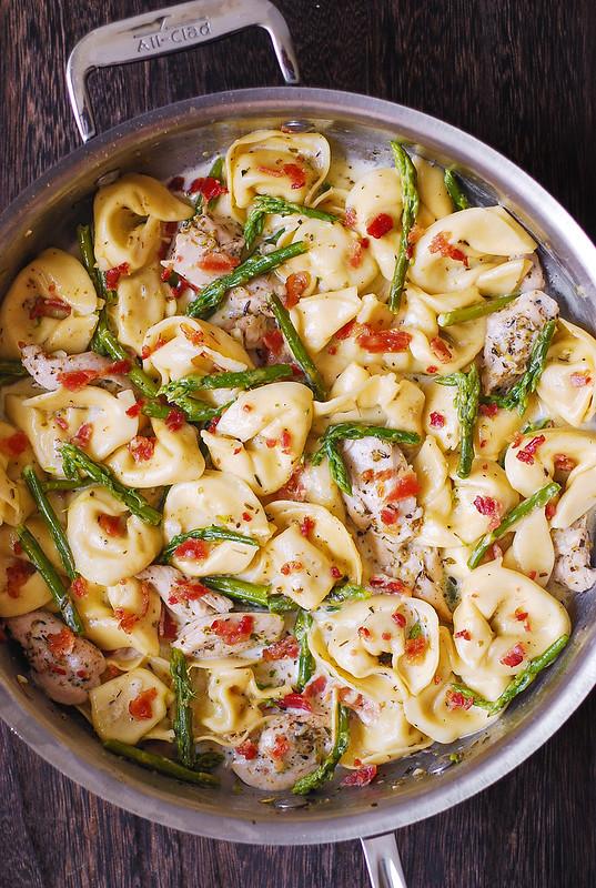 easy chicken pasta, simple chicken pasta, chicken pasta dinner recipes, how to make tortellini, best pasta recipe
