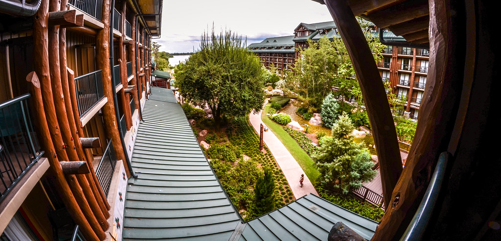 Wilderness Lodge courtyard