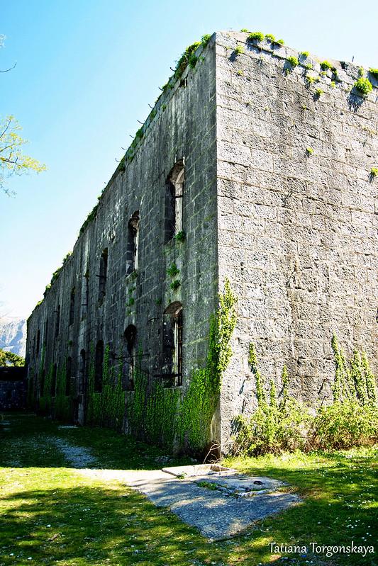 Восточная сторона крепости Врмац