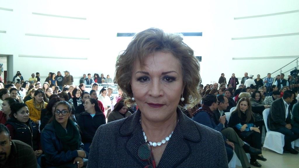 1.- Dra. Rocío Azucena Manzano Chaidez, directora del DIF Durango, graves los latrocinios que comete su hijo putativo Humberto Ávila Granados.
