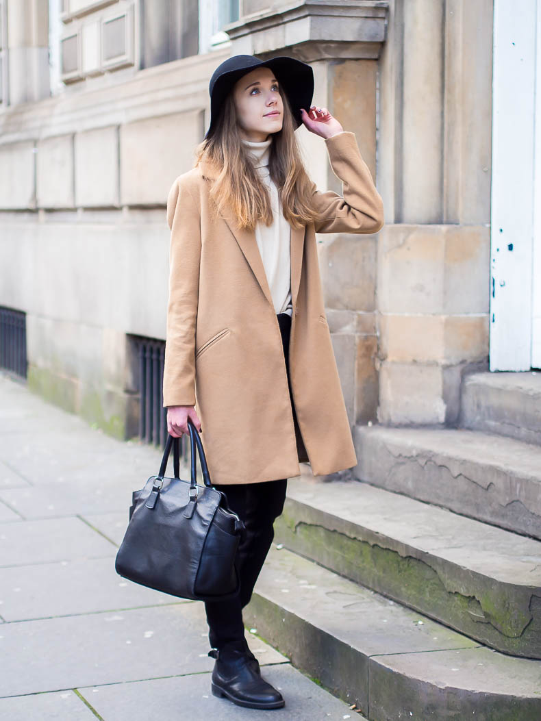 Camel coat with fedora hat