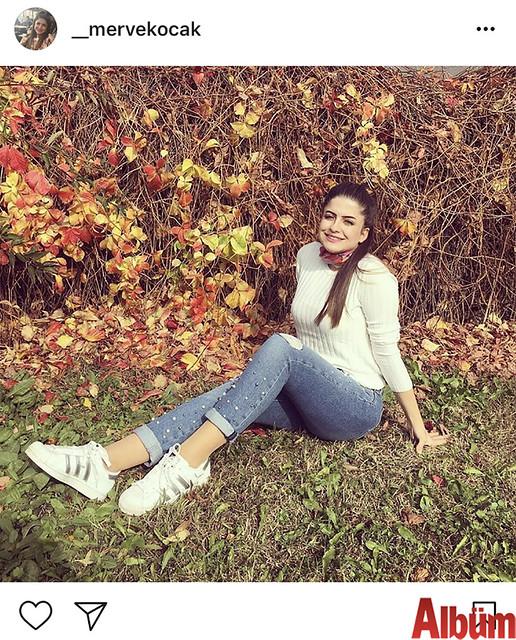 Merve Koçak sonbahar temalı bu fotoğrafıyla takipçilerinin beğenisini topladı.