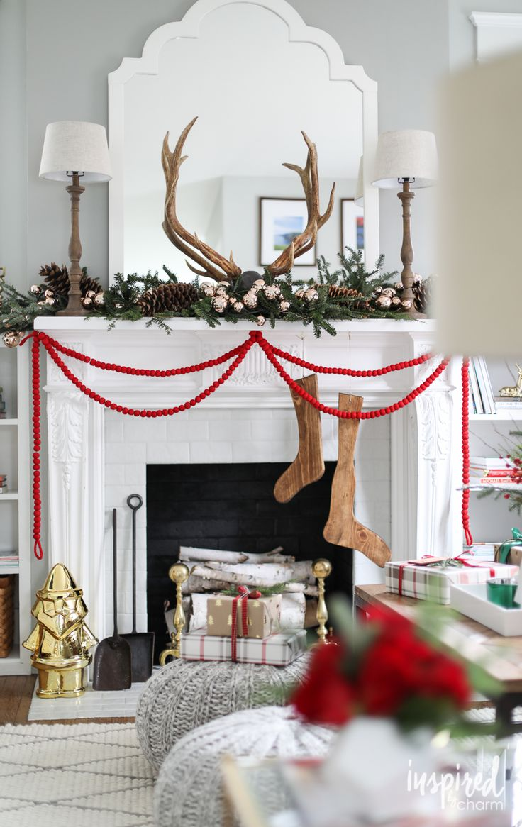 Christmas Mantle Reindeer Antler Decorations Garland Pine Cones Christmas Balls