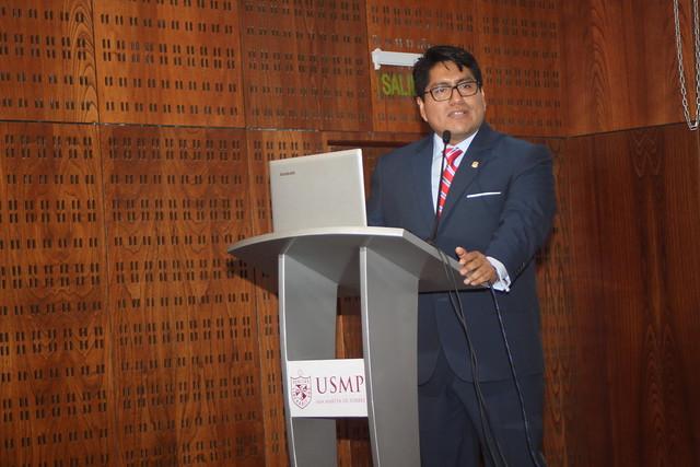 Las Facultades de Ciencias Administrativas y Recursos Humanos; y Ciencias Contables, Económicas y Financieras, realizaron la Ceremonia de Reconocimiento a las Contribuciones Intelectuales de Docentes - 2017