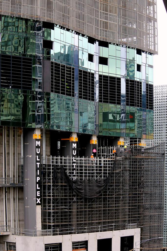 CARLTON | Swanston Central | 168 Victoria Street | 72L | 237m | Residential