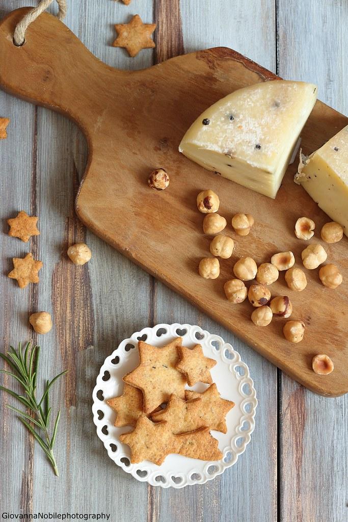 Biscottini con parmigiano e rosmarino 5