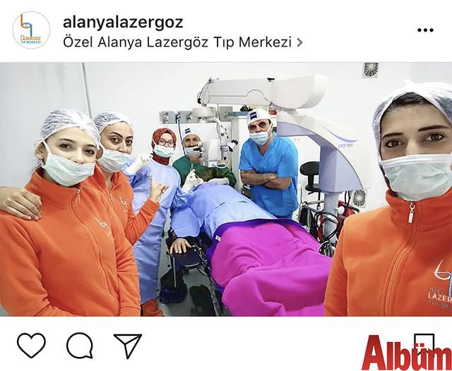 Alanya Lazer Göz Tıp Merkezi doktorları Op. Dr. Gökhan Aydoğan ve Op. Dr. Hasan Kırteke, ameliyat öncesi ekibiyle birlikte bu fotoğrafı paylaştı.