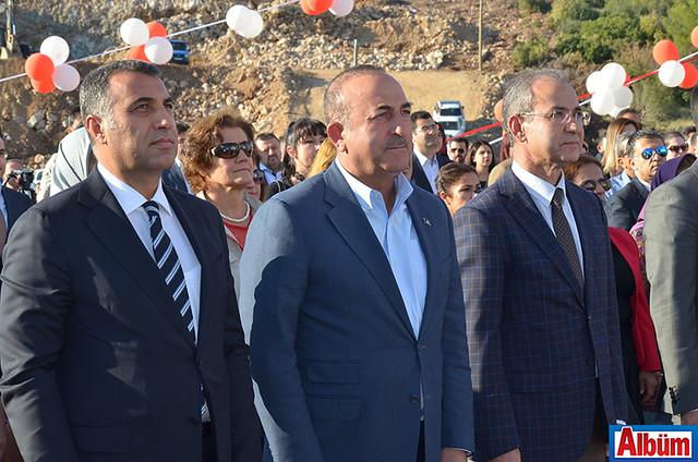 Alanya Kaymakamı Mustafa Harputlu, Bakan Mevlüt Çavuşoğlu, ALKÜ Rektörü Prof. Dr. Ahmet Pınarbaşı