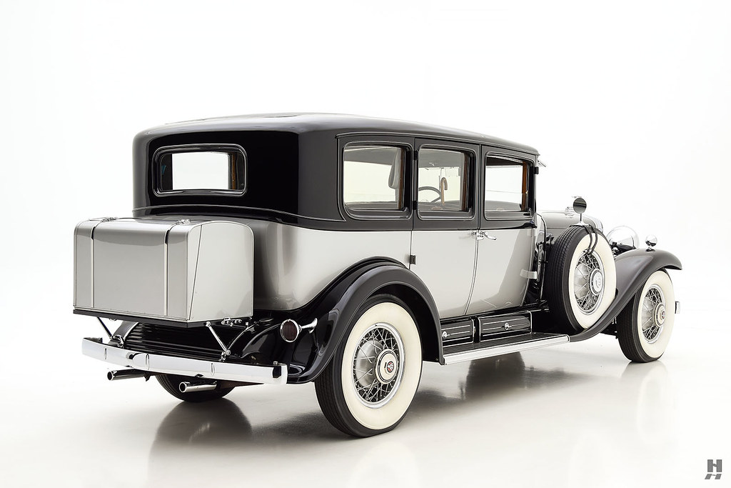 30006_R Cadillac Series 452 Fleetwood 452CI V16 3SPD Limousine_Black Silver